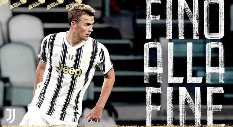 """A capa do Twitter da Juve, com o zagueiro DeLigt, """"Até o Final"""""""