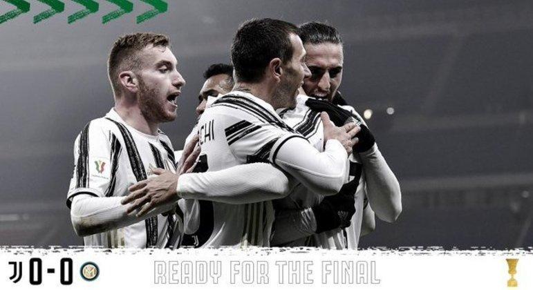 A capa do Twitter da Juve, com a euforia pela passagem à decisão