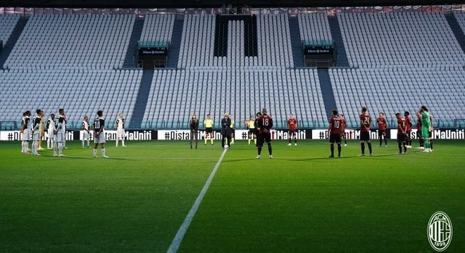 O Allianz vazio, silêncio no minuto de  praxe e durante o jogo inteirinho