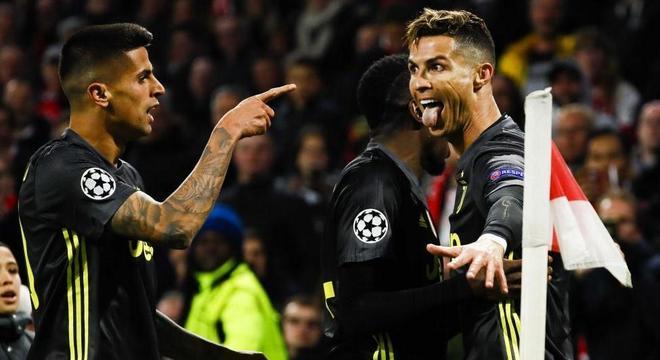 João Cancelo e Cristiano Ronaldo, Ajax 1 X 1 Juventus, em Amsterdam