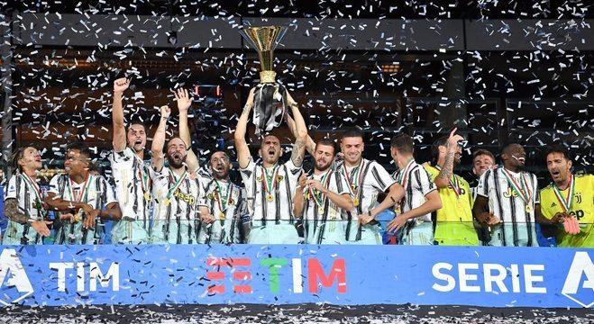 A celebração da Juve, pela nona vez consecutiva a campeã da Bota