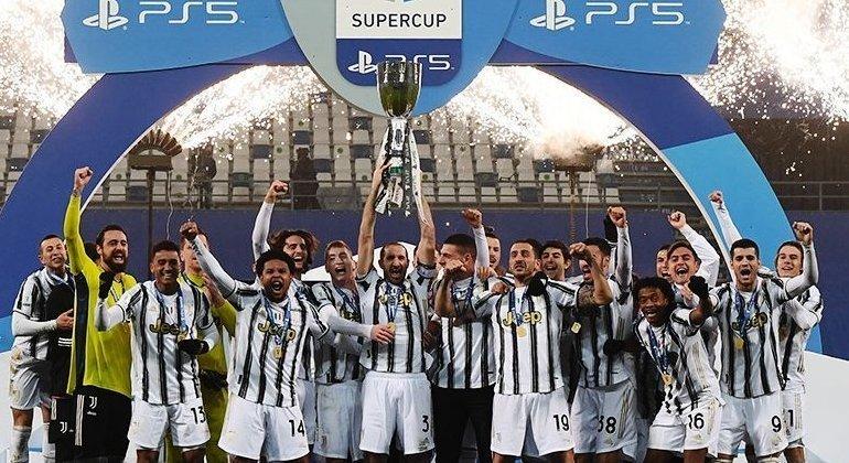 A  celebração do título da Supercopa, pela Juve, no dia 20