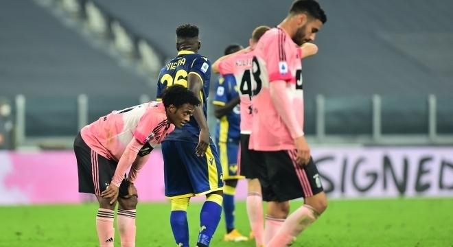 Jogadores da Juve lamentam empate em casa que distancia time da liderança