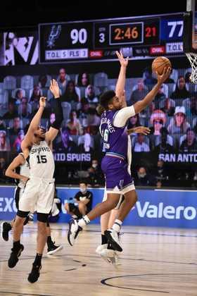 Juwan Morgan (Utah Jazz) 5,0 - Morgan não era o favorito a entrar no quinteto titular, mas substituiu Mike Conley mesmo assim. Não foi bem nos arremessos (um acerto em cinco tentativas), mas pegou sete rebotes