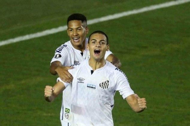 Kaiky - Posição: zagueiro - Clube: Santos - Idade: 17 anos - Situação: atleta mais novo a marcar em uma Libertadores, Kaiky mostra muito potencial pelo Santos.
