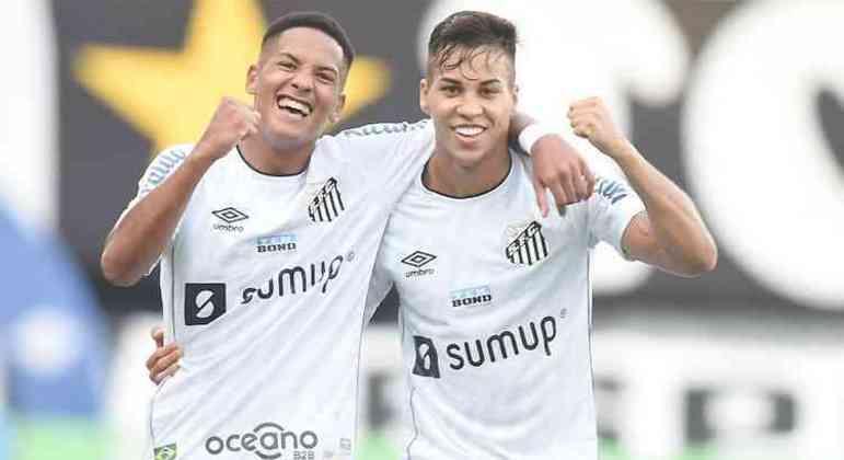 """Kaio Jorge marcou e ironizou. """"Time grande não cai."""" Santos precisa se cuidar, não se iludir"""