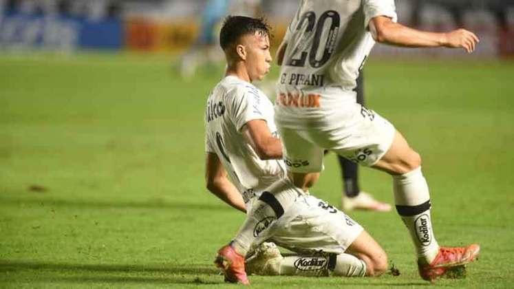 Kaio Jorge - Posição: centroavante - Clube: Juventus - Idade: 19 anos - Situação: Foi comprado pela Juventus. No tempo em que atuou pelo Santos, fez diversos gols na base e vinha sendo protagonista na equipe principal.