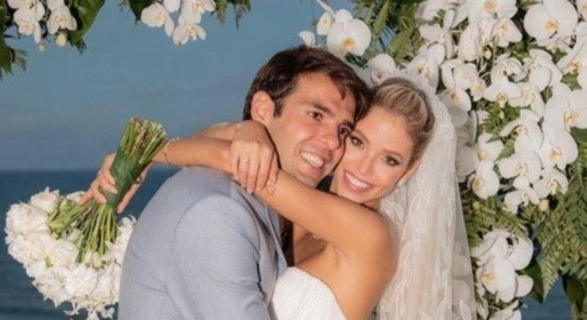 Kaká e Carol Dias se casaram em um resort em Itacaré, na Bahia