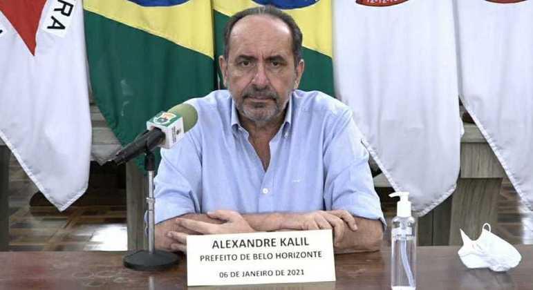 Kalil anunciou fechamento de boa parte do comércio a partir desta segunda-feira (11)