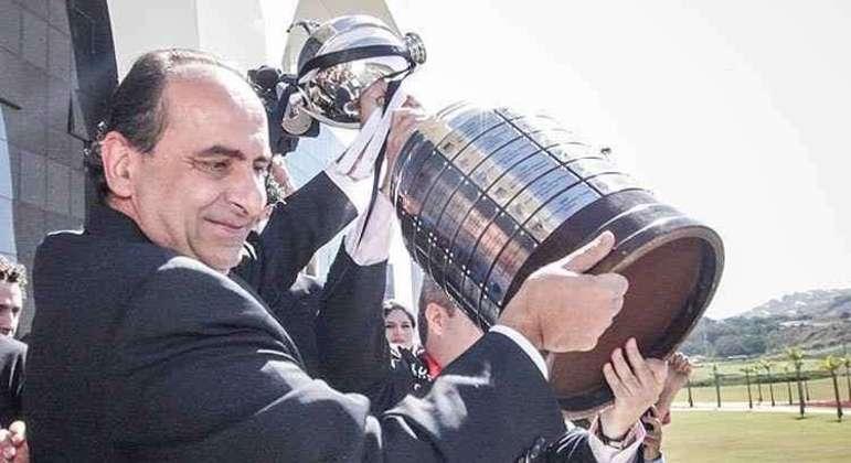 Kalil foi o único presidente do Atlético a vencer a Libertadores. Agora é prefeito de BH