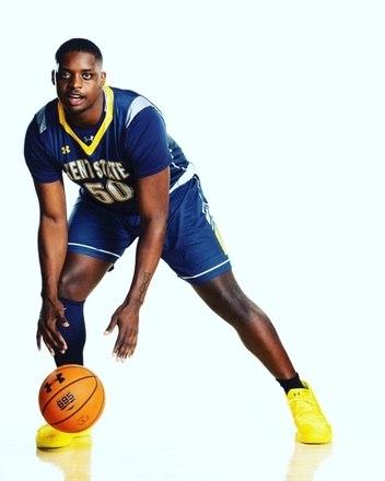 Kalin Bennett marcou uma cesta na primeira divisão do basquete universitário dos Estados Unidos e entrou história. O jogador superou o autismo, a descrença de médicos e se tornou o primeiro atleta a conseguir o feito