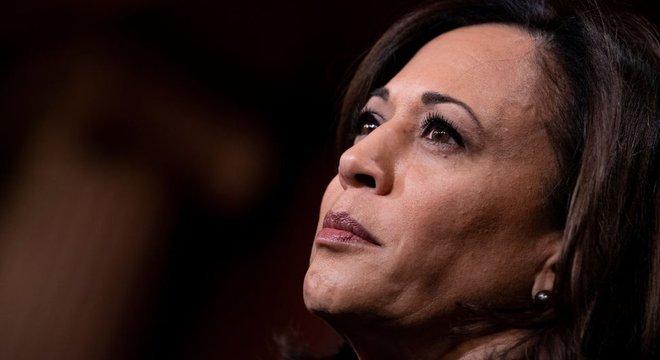 Kamala Harris despontou nacionalmente como pré-candidata, mas acabou endossando Biden
