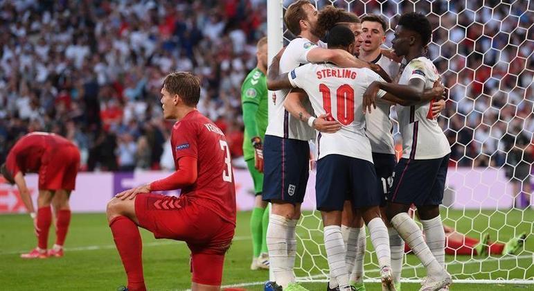 Inglaterra conseguiu a virada contra a Dinamarca para se garantir na final