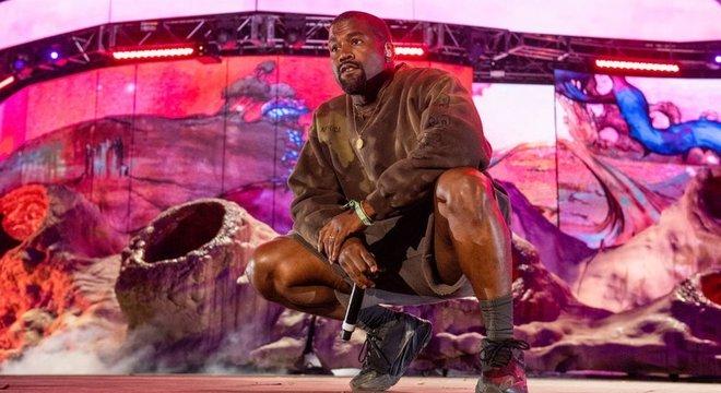 Kanye West, 43 anos, apareceu nas cédulas como candidato do Birthday Party: 'Porque quando ganharmos, será uma festa de aniversário de todos'