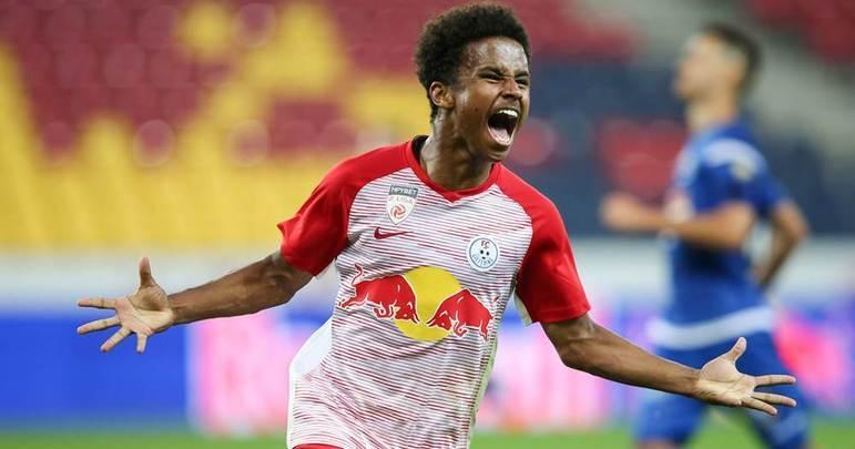 Karim Adeyemi, destaque do Red Bull Salzburg, atraiu o interesse de gigantes do futebol europeu e começa a ser considerado o