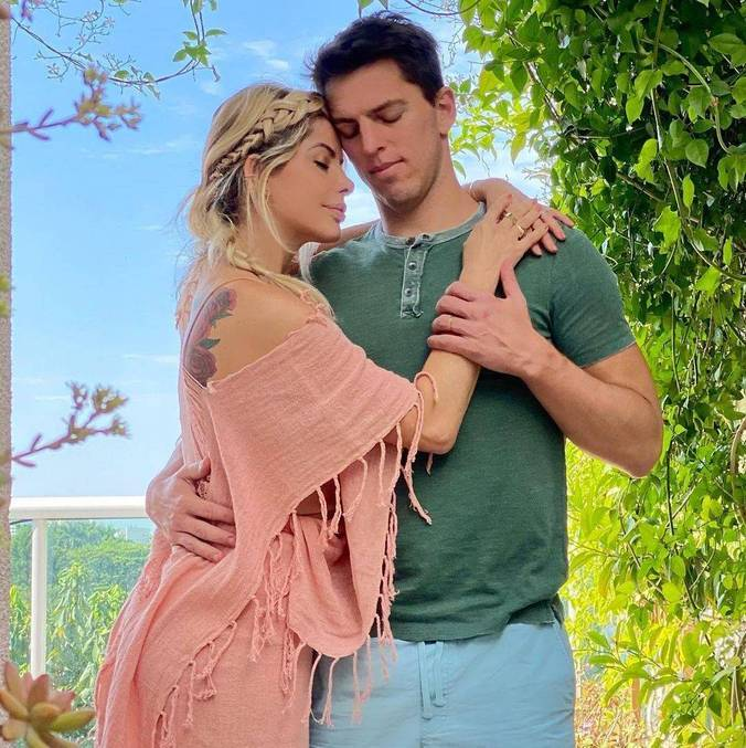 Karina Bacchi e Amaury Nunes estão juntos desde 2018