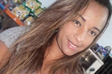 Karina é empreendedora em favela de SP
