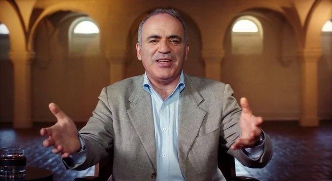Garry Kasparov, o ex-campeão, agora o capitão do Resto do Mundo