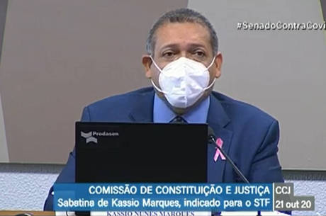 Kassio Nunes passa por sabatina no Senado