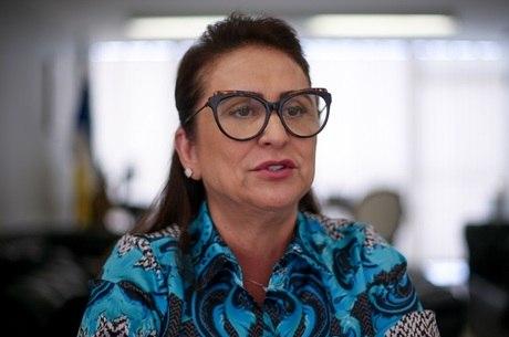 """Senadora Kátia Abreu segue internada até que passe período """"crítico"""""""