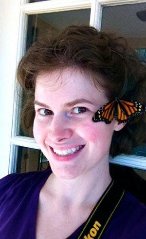 Katie Van Blaricum é responsável por transplantar asas de borboletas