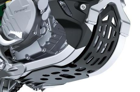Kawasaki KX 250X já vem com protetor de motor