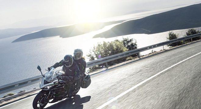 Kawasaki Z 1000 SX: desempenho de esportiva e conforto de uma moto touring / Divulgação