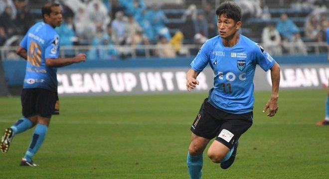 Kazuyoshi Miura, de 52 anos, é o jogador de futebol profissional mais velho do mundo