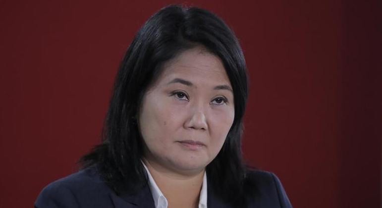 Keiko Fujimori, candidata à presidência do Peru, falou com jornalistas estrangeiros no sábado