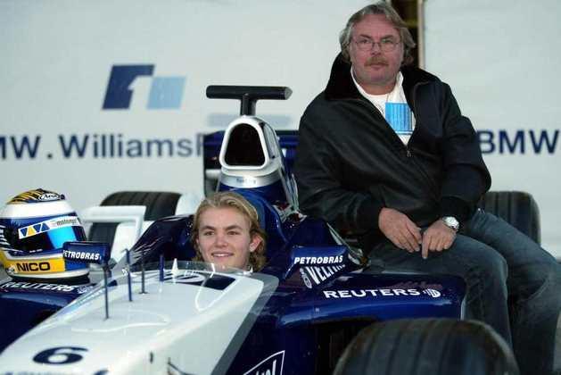 Keke Rosberg foi campeão mundial em 1982. O feito foi repetido pelo filho Nico 34 anos depois, em 2016. É a segunda dupla de pai e filho campeões
