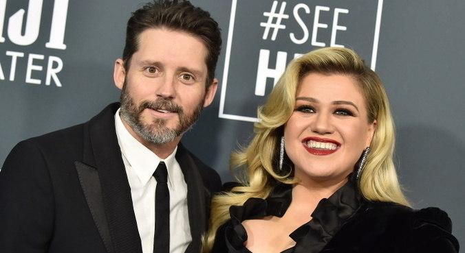 Kelly Clarkson e Brandon Blackstock já estão separados há cerca de um ano