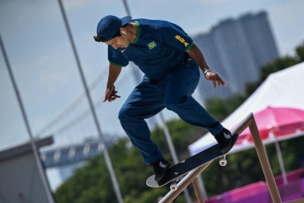Kelvin se apresentando no Japão. Medalha de prata para o Brasil