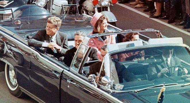 Minutos depois desta cena, Kennedy seria assassinado