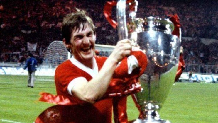Kenny Dalglish foi jogador e treinador ao mesmo tempo do Liverpool no final da década de 80.