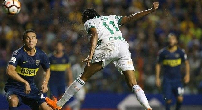 Keno e a cabeçada que Leivinha aprovaria. Golaço. O primeiro gol do Palmeiras