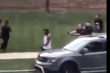 Policiais afirmam que Blake resistiu à prisão