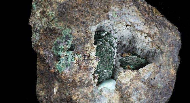 Um novo mineral é descoberto no Reino Unido a cada três ou quatro anos, em média, de acordo com o museu