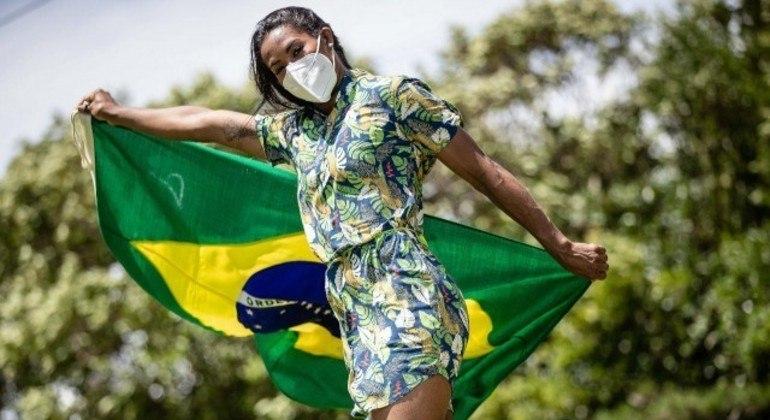 Ketleyn, o único prêmio em Tóquio, ser a porta-bandeira do Time Brasil