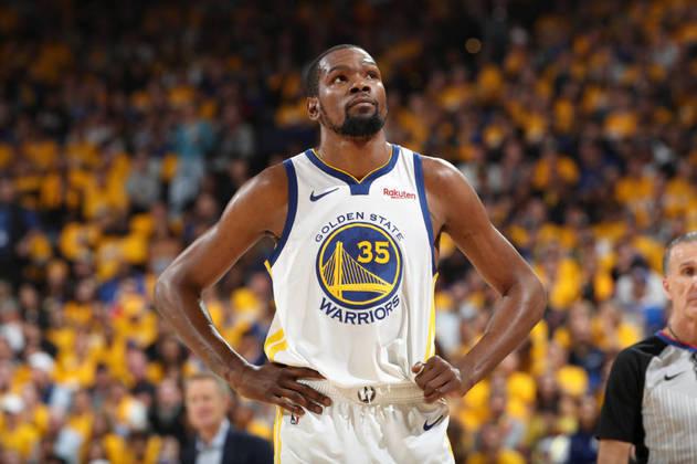 Kevin Durant - Muito criticado por deixar o Oklahoma City Thunder, o astro foi o MVP das finais das duas temporadas que venceu pelo Golden State Warriors. Durant brilhou na equipe durante aquela campanha com médias de 25.1 pontos, 8.3 rebotes, 4.8 assistências e 1.6 bloqueio. Hoje, está no Brooklyn Nets