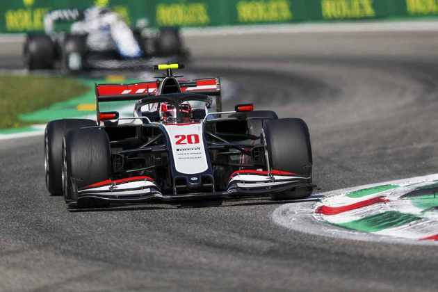 Kevin Magnussen abandonou o GP da Itália e causou a entrada do safety-car