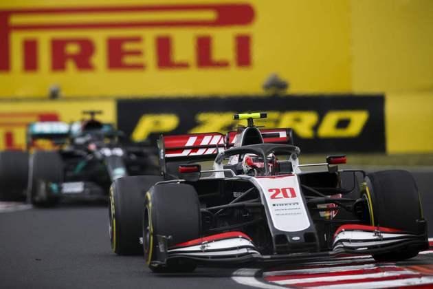Kevin Magnussen acelera a Haas no primeiro treino livre