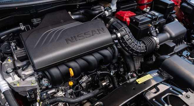 Motor 1.6 aspirado desenvolve 114cv e é o mesmo do Kicks com calibração específica para o sedã