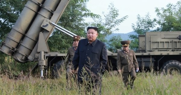 Coreia do Norte confirma teste com lança-foguetes de grande calibre