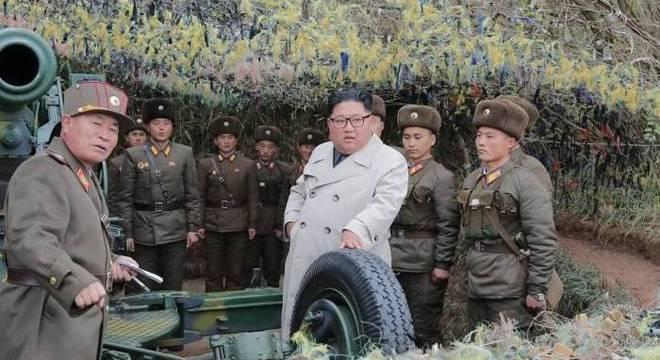 Kim Jong-un visitou destacamento militar na região