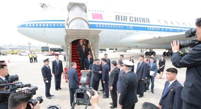 Kim levou dez horas para chegar a Cingapura num Boeing da Air China