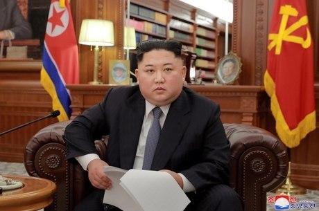 Coreia do Norte pede ajuda por falta de comida