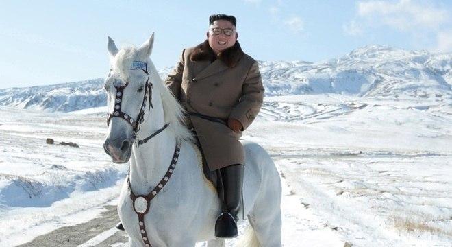 Kim Jong-un em foto divulgada em outubro: sem notícias do paradeiro do líder