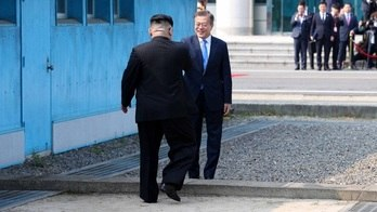 __Veja as imagens do encontro entre os líderes das duas Coreias__ (Fotos Públicas/Corpo de Imprensa da Cúpula Inter-Coreana)
