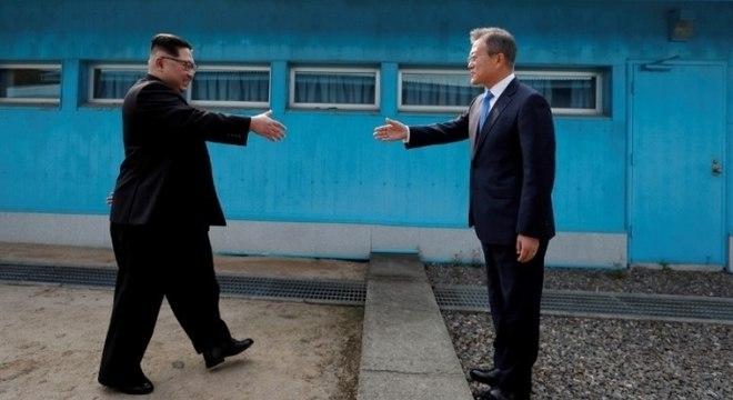 Kim Jong-un e Moon Jae-in anunciaram tratado de paz