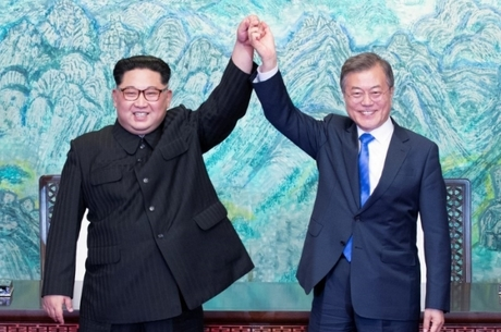 Líderes: 'Coreias vão reconectar as relações de sangue'